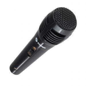 Micrófono amateur, negro